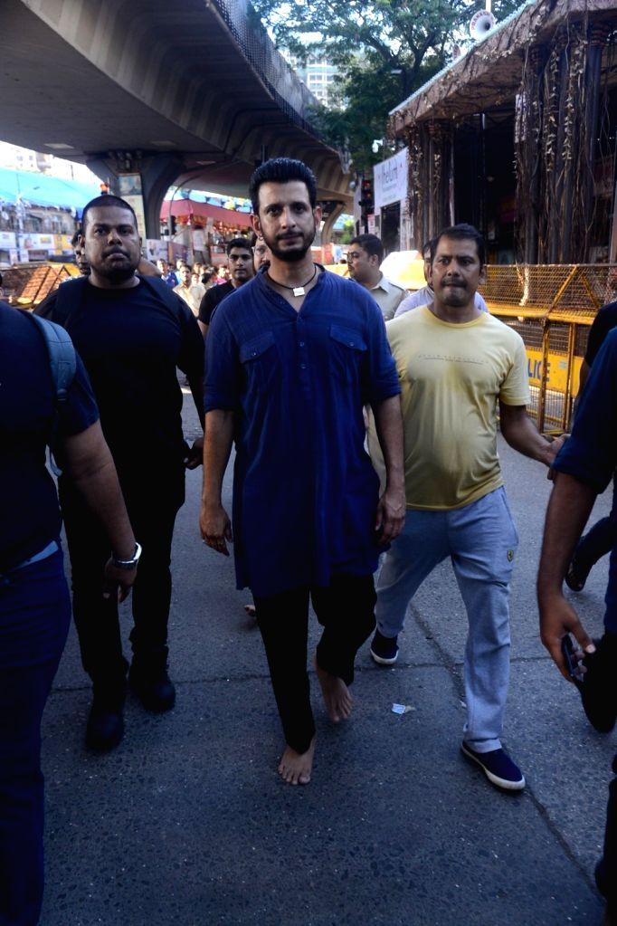 Actor Sharman Joshi visit Lalbaugcha Raja Ganesh pandal in Mumbai on Sept 17, 2018. - Sharman Joshi