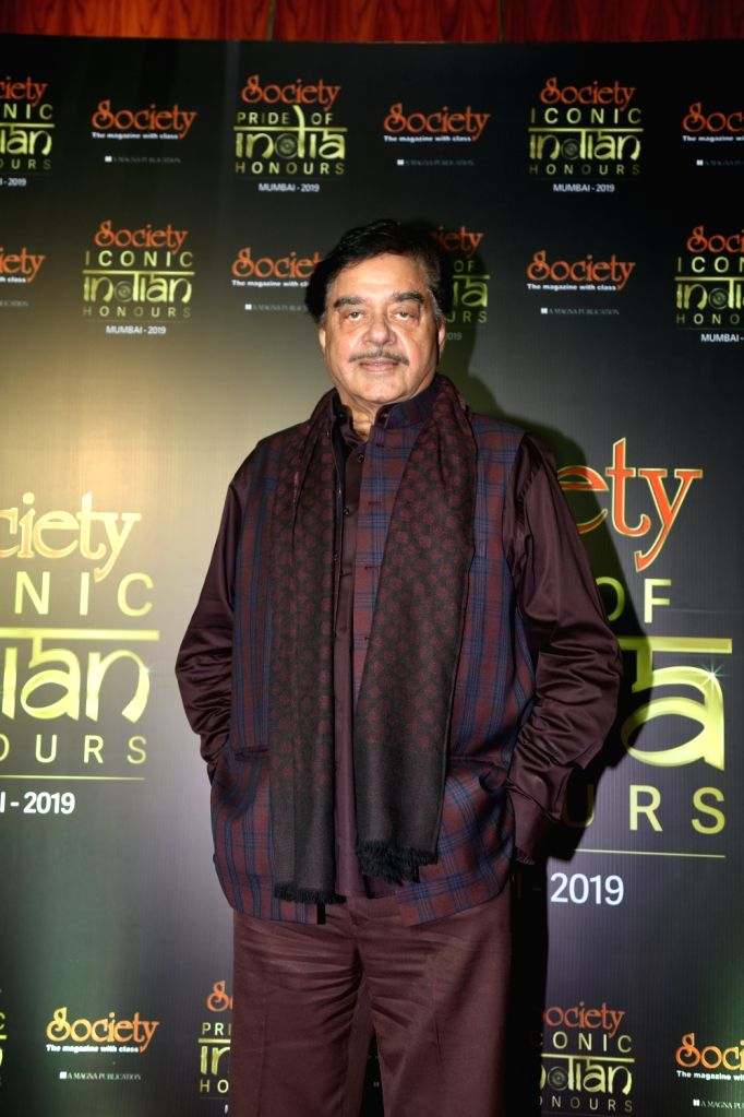 Actor Shatrughan Sinha during Society Awards at Taj Santacruz in Mumbai on Nov 16, 2019. - Shatrughan Sinha