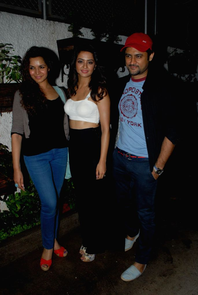 Actor Shweta Kawatra, Actor Surveen Chawla and Manav Gohil during special screening of film Hate Story 2, in Mumbai on July 17, 2014. - Shweta Kawatra