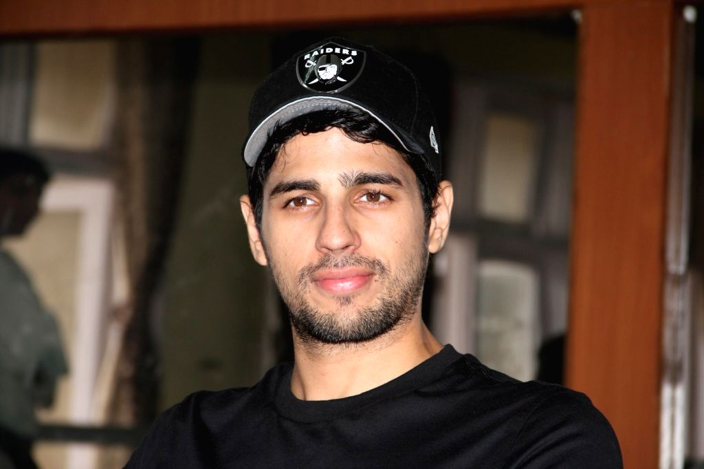 Actor Sidharth Malhotra during the graduation day of a self-defence academy in Mumbai, on Aug 17, 2015. - Sidharth Malhotra