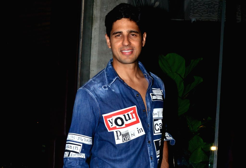 Actor Sidharth Malhotra seen at Bandra-Kurla Complex in Mumbai on May 31, 2019. - Sidharth Malhotra