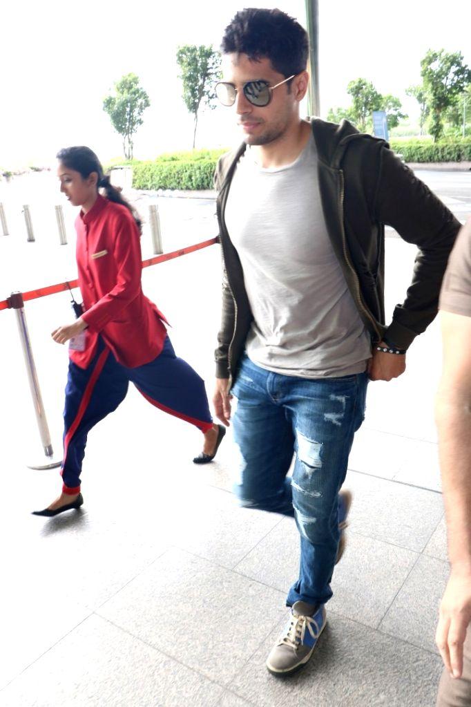 Actor Sidharth Malhotra spotted at airport, in Mumbai on June 29, 2017. - Sidharth Malhotra