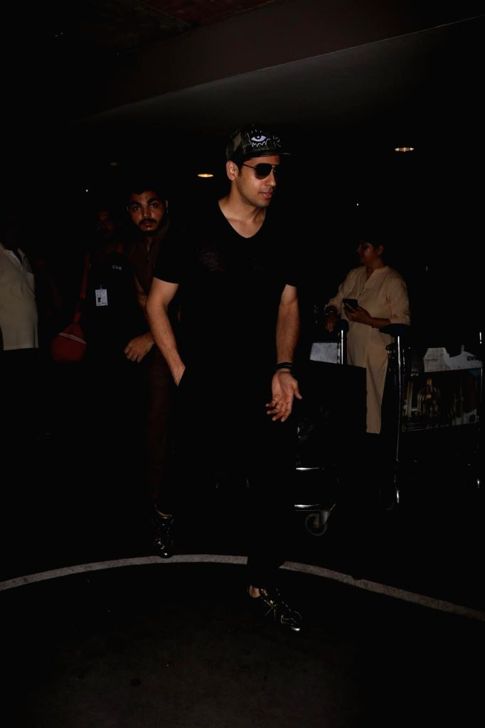 Actor Sidharth Malhotra spotted at Chhatrapati Shivaji Maharaj International Airport in Mumbai on July 1, 2017. - Sidharth Malhotra