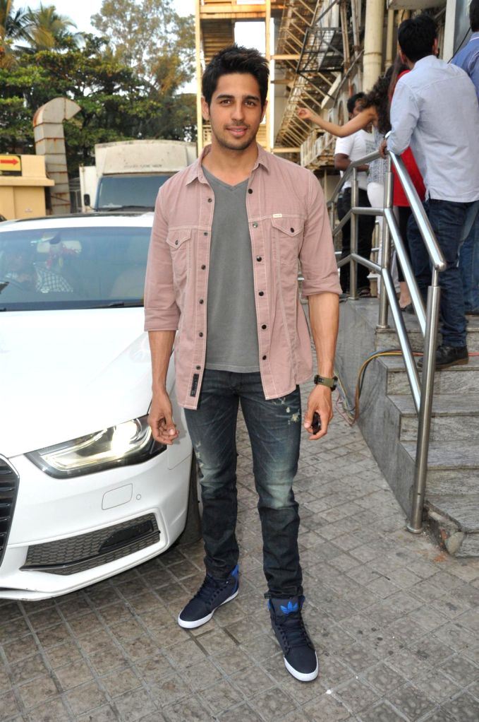 Actor Sidhrath Malhotra at the first look of his upcoming film Hasee Toh Phasee directed by Vinil Matthew at PVR Cinemas in Mumbai on December 13, 2013. - Sidhrath Malhotra