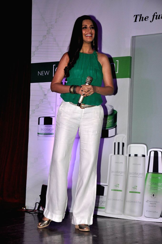 Actor Sonali Bendre during the launch of Oriflame Ecollagen Range in Mumbai, on August 1, 2014.