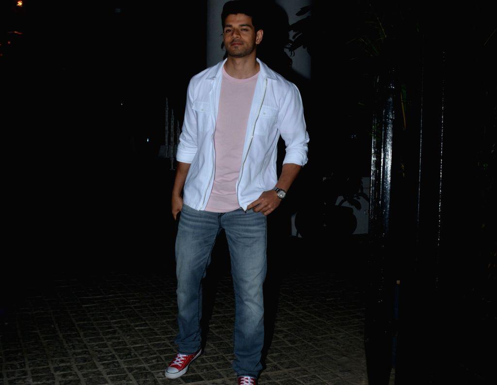 Actor Sooraj Pancholi seen at Mumbai's Juhu, on Jan 29, 2019. - Sooraj Pancholi