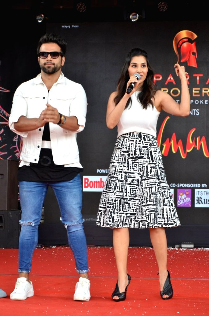 Actor Sophie Choudry and television actor Rithvik Dhanjani during Mithibai College Umang Festival 2016 in Mumbai, on Aug 14, 2016. - Sophie Choudry