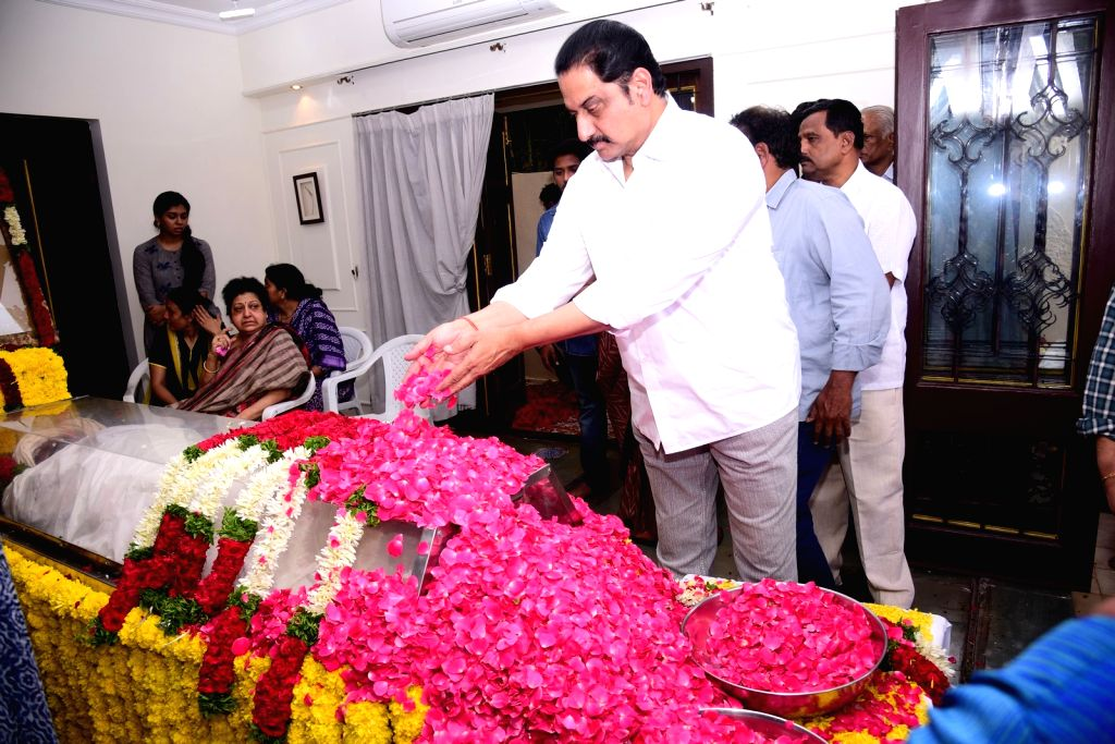Actor Suman pays homage to actor-politician N. Harkrishna died in a road accident in Telangana's Nalgonda district, in Hyderabad on Aug 29, 2018. - Suman