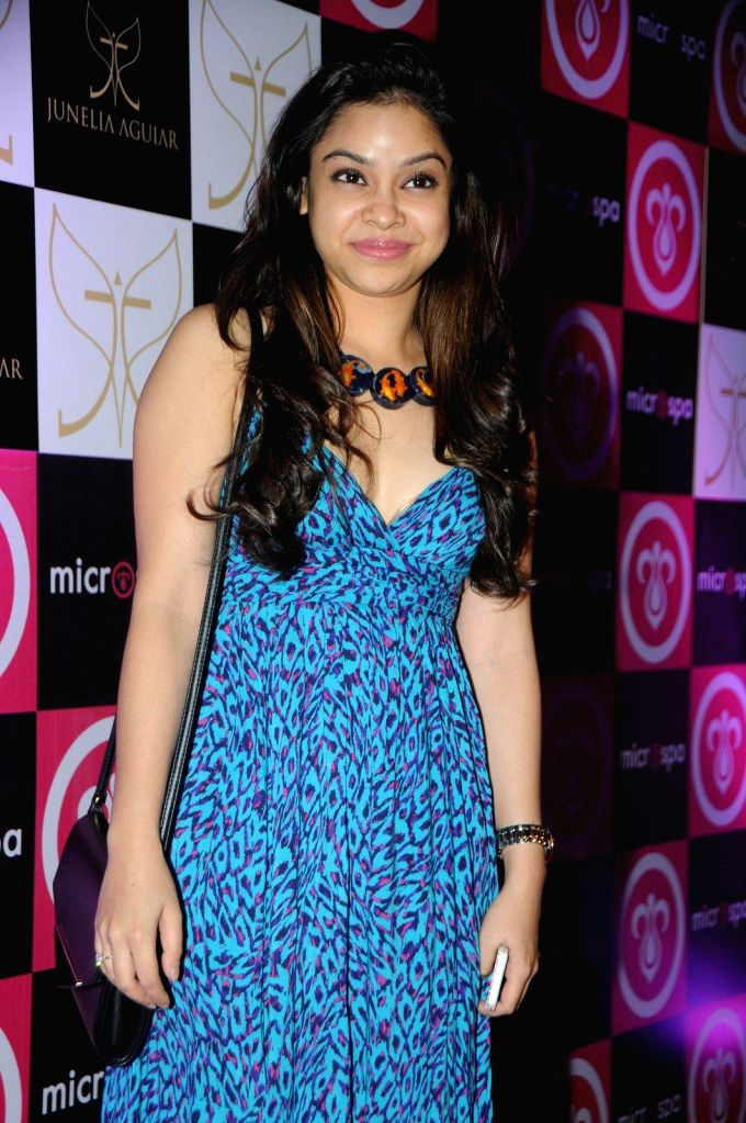 Actor Sumona Chakravarti during the launch of Microspa, a hair and scalp care treatment spa in Mumbai, on May 7, 2014. - Sumona Chakravarti