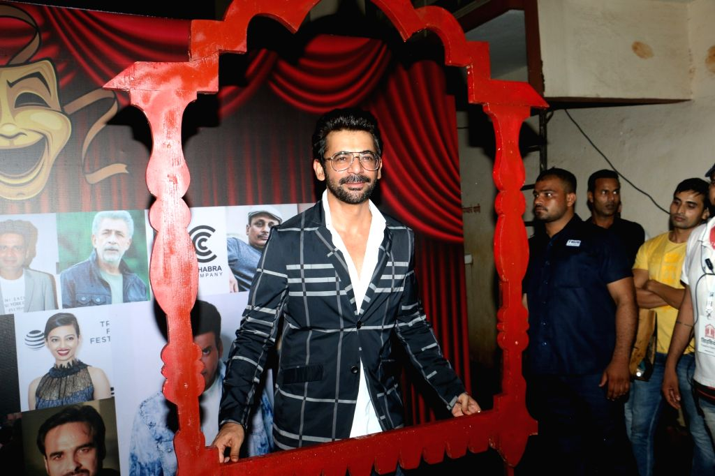 "Actor Sunil Grover at ""Khidkiyaan"" Theatre Festival in Mumbai on Sep 26, 2019. - Sunil Grover"