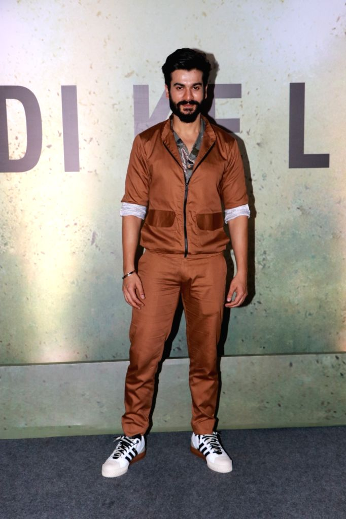 Actor Sunny Kaushal at a live music concert led by singer-composer Pritam Chakraborty accompanied by 1000 other musicians, organised by the makers of his upcoming web series on Amazon Prime ... - Sunny Kaushal and Pritam Chakraborty