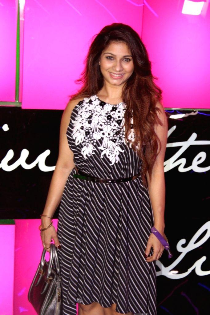 Actor Tanishaa Mukerji during the launch of Ananya Birla`s debut single Livin the Life, in Mumbai, on Nov 12, 2016. - Tanishaa Mukerji