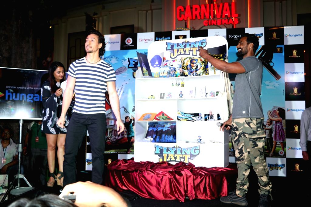 Actor Tiger Shroff and choreographer and filmmaker Remo D`Souza during the promotion of film A Flying Jatt at KidZania in Mumbai, on August 12, 2016. - Tiger Shroff