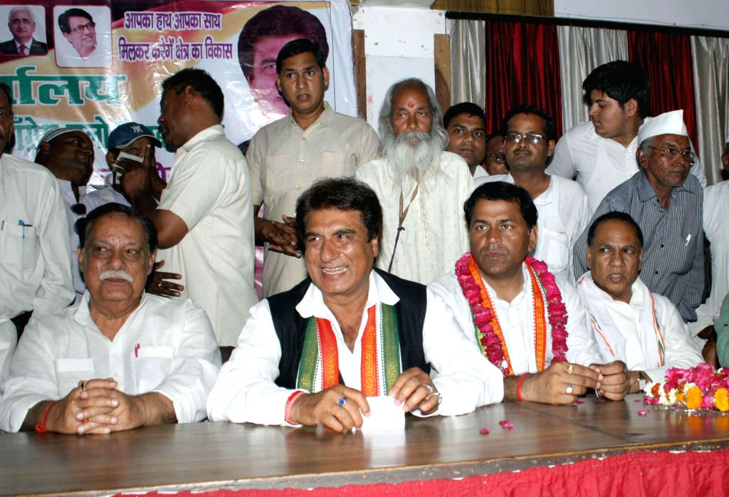 Actor-turned-politician Raj Babbar during a Congress worker's meeting in Agra on April 18, 2014.