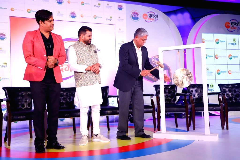 Actor-turned-politician Ravi Kishan and International Business & ZEEL ??? Head of Sports Business COO Mukund Cairae during the launch of Kushti Dangal in New Delhi on Sep 23, 2019.