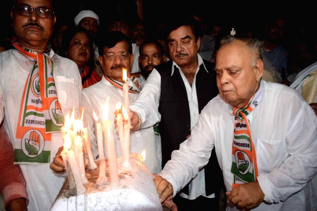 Actor turned politician Shatrughan Sinha participates in a candlelight vigil after 107 children died in Bihar due to Acute Encephalitis Syndrome (AES); in Patna on June 18, 2019. - Shatrughan Sinha