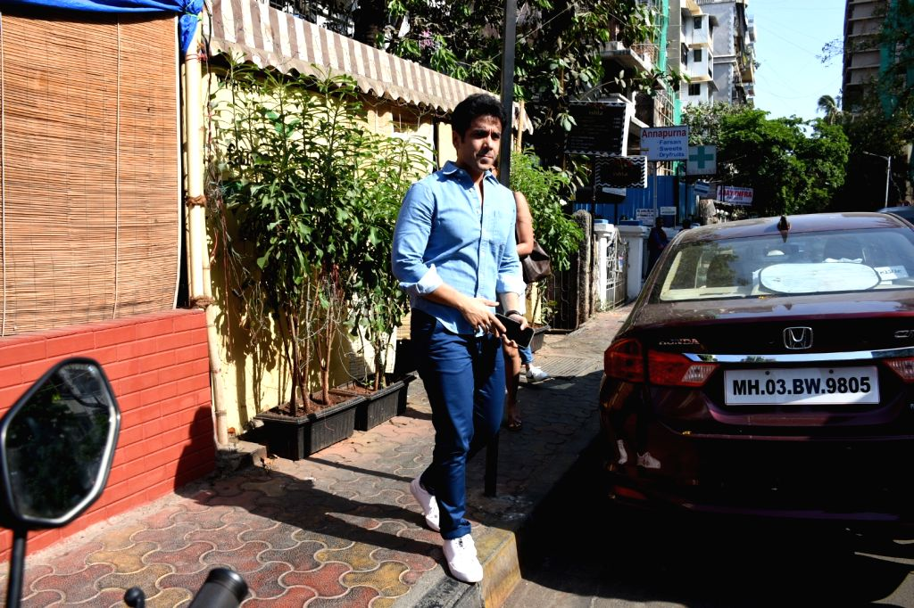 Actor Tusshar Kapoor seen at a Bandra cafe in Mumbai on May 13, 2019. - Tusshar Kapoor