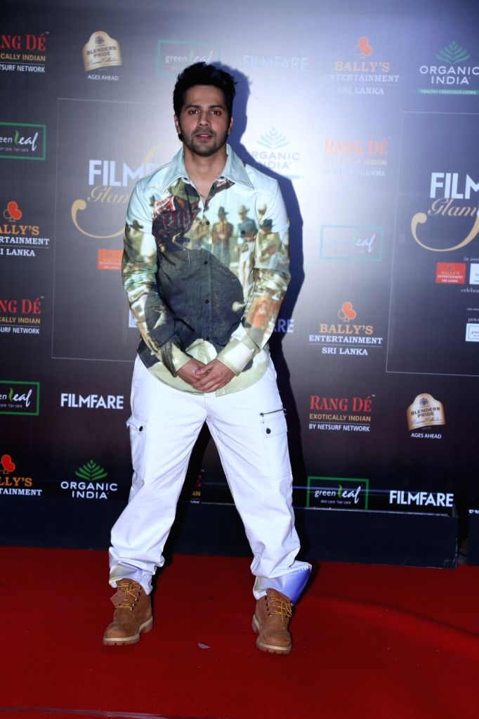 Actor Varun Dhawan on the red carpet of Filmfare Glamour And Style Awards 2019 in Mumbai on Dec 3, 2019. - Varun Dhawan