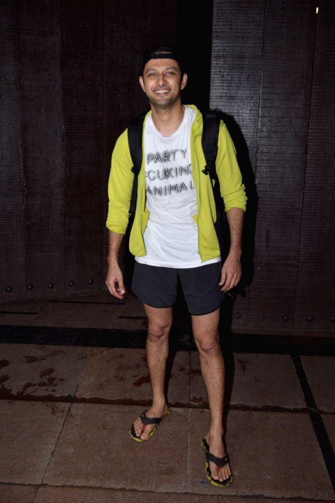 Actor Vatsal Sheth seen at a gym in Juhu, Mumbai on Nov 12, 2019. - Vatsal Sheth