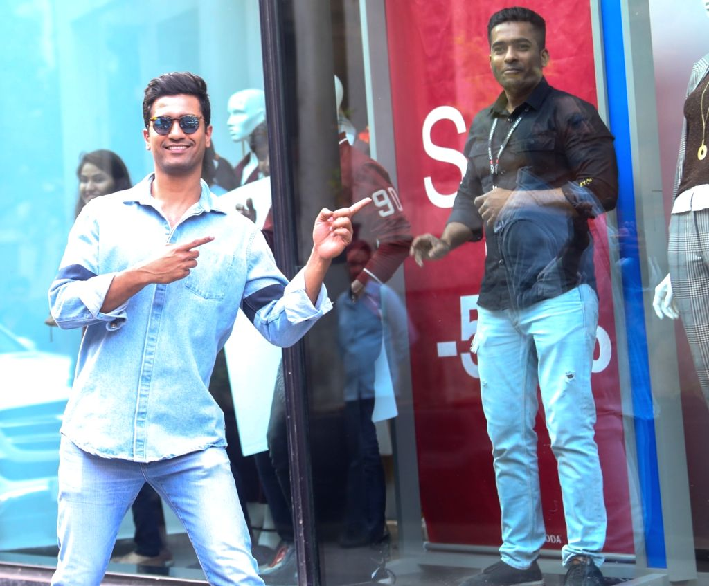 """Actor Vicky Kaushal who recently received National Award for his film """"Uri: The Surgical Strike"""" seen at Mumbai's Santacruz on Jan 9, 2020. - Vicky Kaushal"""