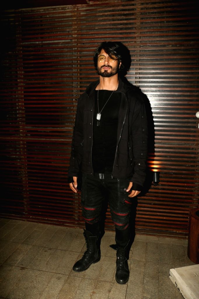 """Actor Vidyut Jammwal attend the success party of film """"Commando 3"""" in Mumbai on Dec 3, 2019. - Vidyut Jammwal"""
