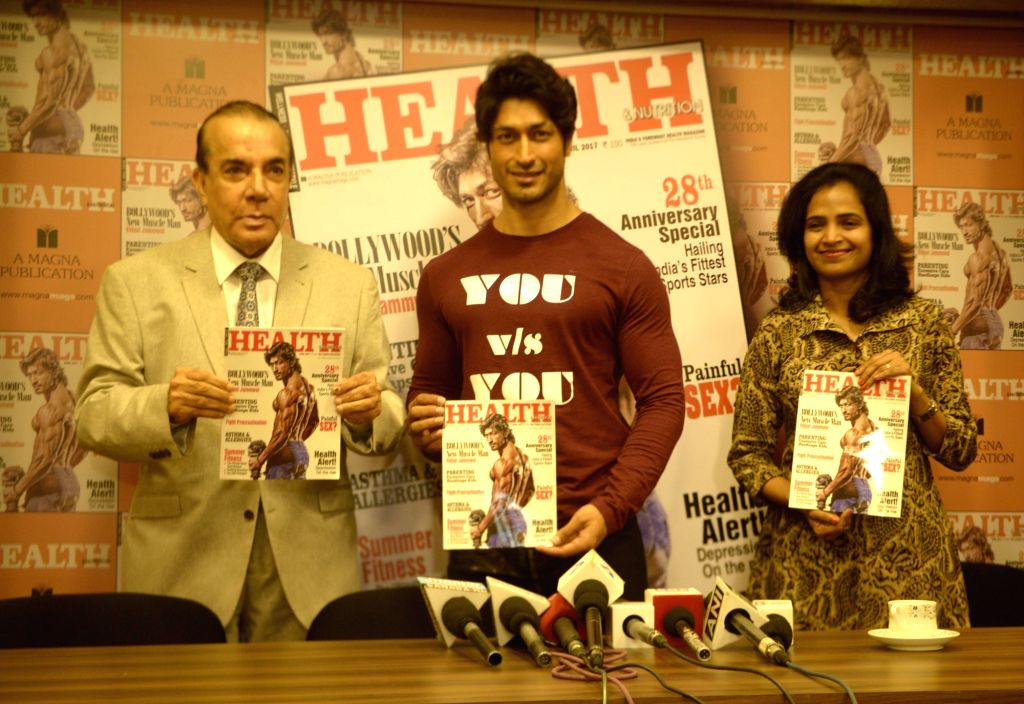 Actor Vidyut Jammwal during the unveiling of the March 2017 issue of Health & Nutrition magazine in Mumbai on March 23, 2017. - Vidyut Jammwal