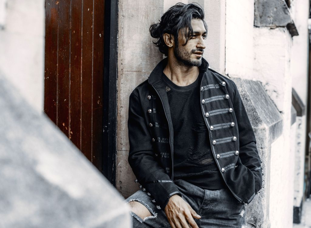 """Actor Vidyut Jammwal is in Lucknow for """"Khuda Hafiz"""". He says the schedule has been a roller-coaster ride for him. - Vidyut Jammwal"""