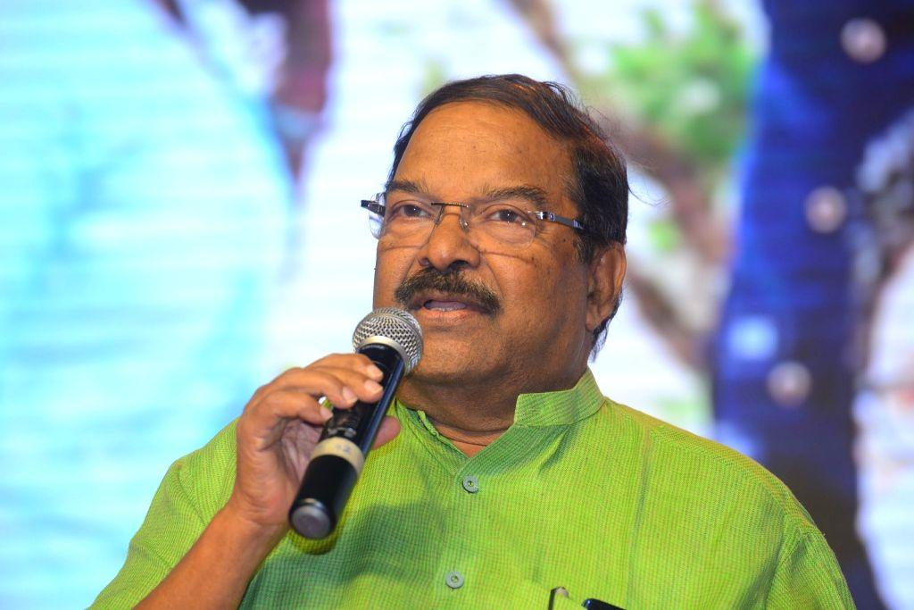Actor Vijay Devarakonda's Meeku Maathrame Cheptha pre-release event held at JRC Convention Centre, Film Nagar in Hyderabad. - Vijay Devarakond