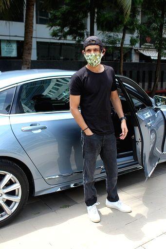 Actor Vikrant Massey seen at Juhu in Mumbai on July 11, 2020. - Vikrant Massey