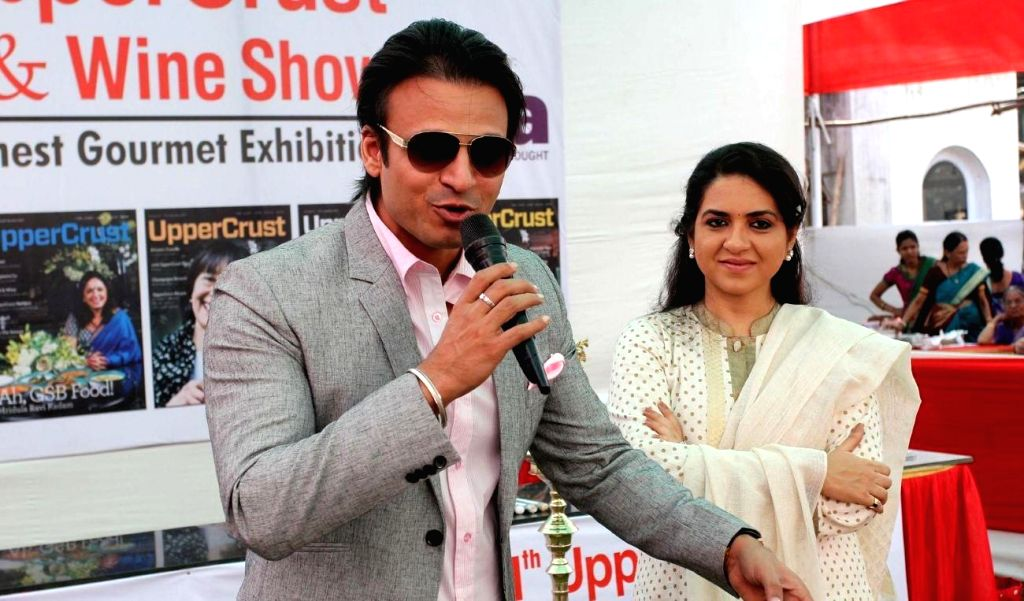 Actor Vivek Oberoi and Fashion designer Shaina NC during the 11th UpperCrust Food and Wine Show in Mumbai on Dec.6, 2013. - Vivek Oberoi
