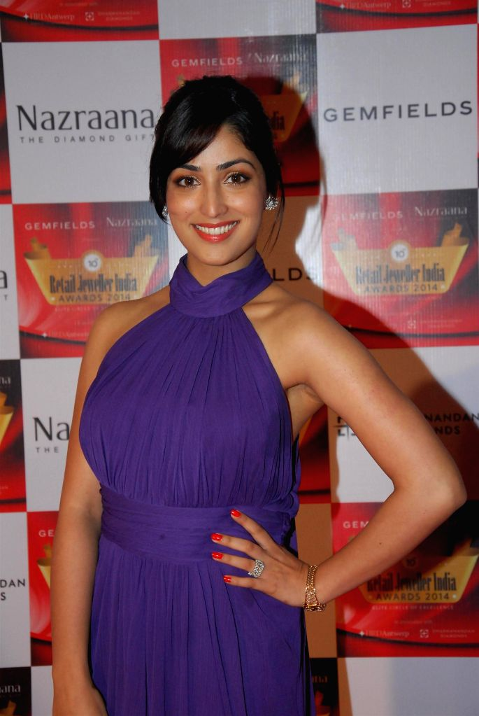 Actor Yami Gautam during the 10th Annual Gemfields and Nazraana Retail Jeweller India Awards 2014 in Mumbai on July 19, 2014. (Photo : IANS) - Yami Gautam