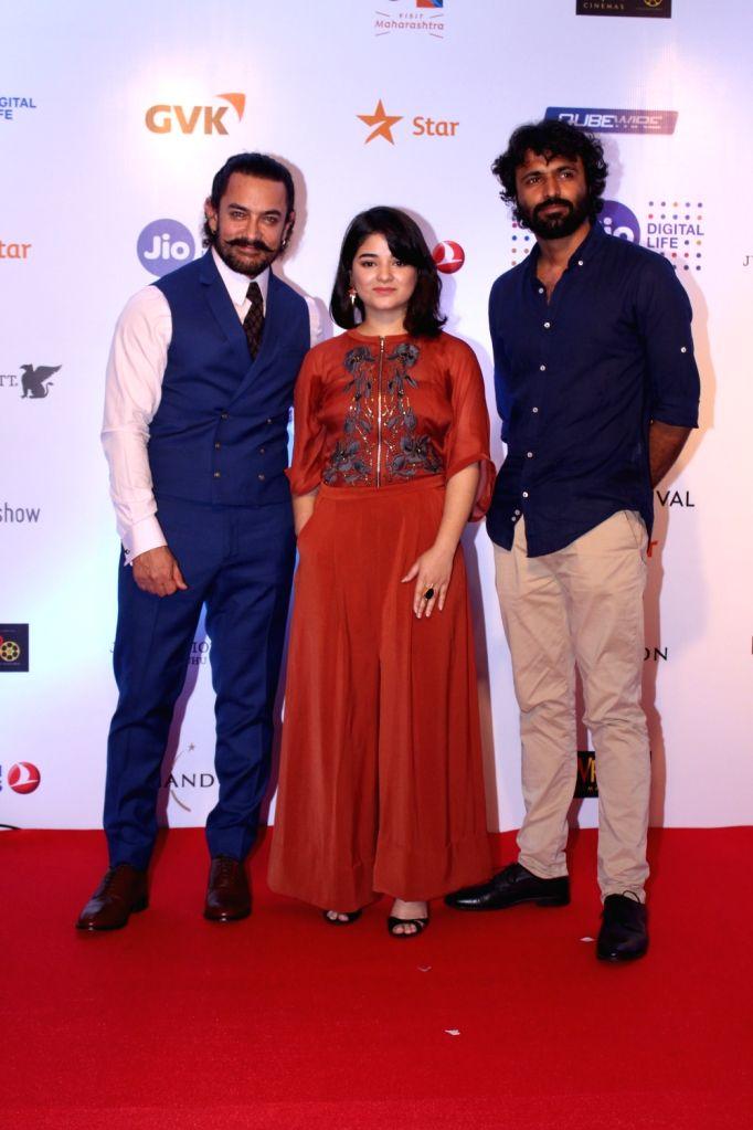 Actors Aamir Khan, Zaira Wasim and Director Advait Chandan at Mami Movie Mela 2017 in Mumbai on Oct 12, 2017. - Aamir Khan, Zaira Wasim and Director Advait Chandan