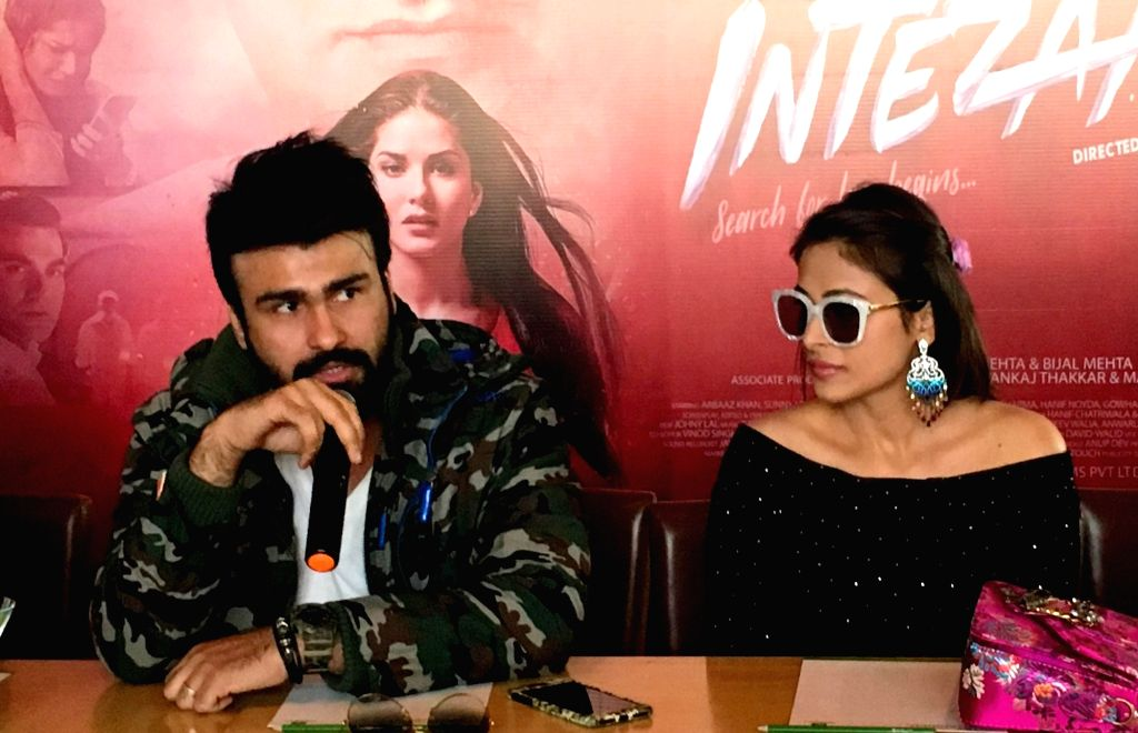 """Actors Aarya Babbar and Bhani Singh during the promotions of their upcoming film """"Tera Intezaar"""" in Amritsar on Nov 28, 2017. - Aarya Babbar and Bhani Singh"""