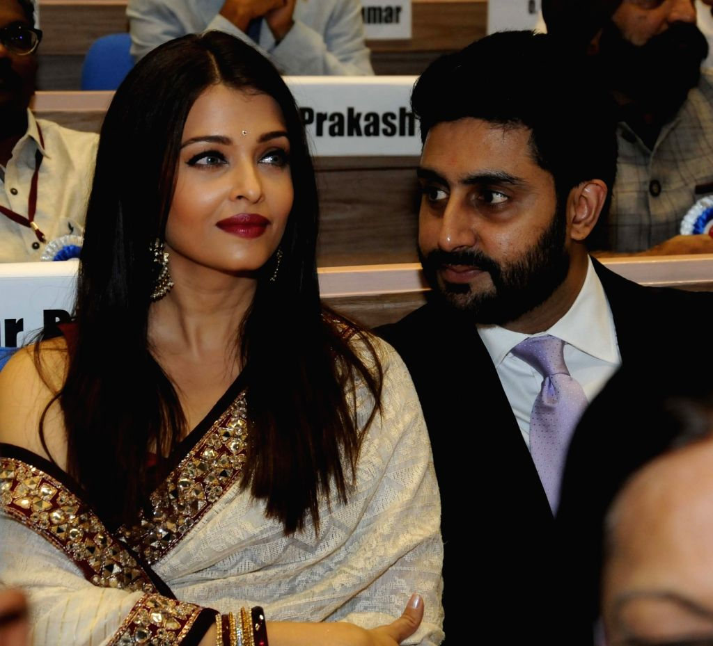Actors Abhishek Bachchan with his wife Aishwarya Rai Bachchan during the 63rd National Film Awards ceremony at Vigyan Bhawan  in New Delhi, on May 3, 2016. - Abhishek Bachchan and Aishwarya Rai Bachchan