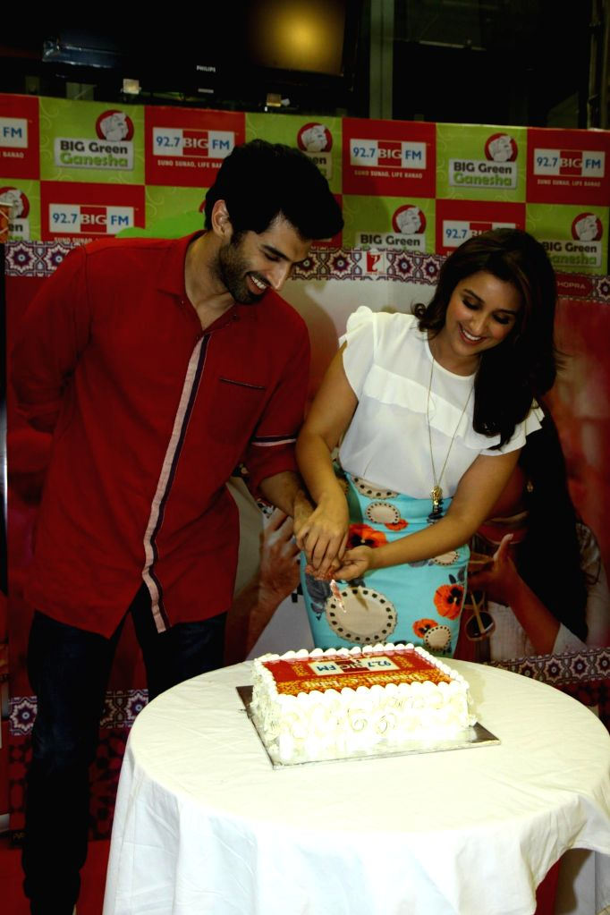 Actors Aditya Roy Kapur and Parineeti Chopra during the promotion of film Daawat-e-Ishq at 92.7 BIG FM office in Mumbai on 10 Sept, 2014. - Aditya Roy Kapur and Parineeti Chopra