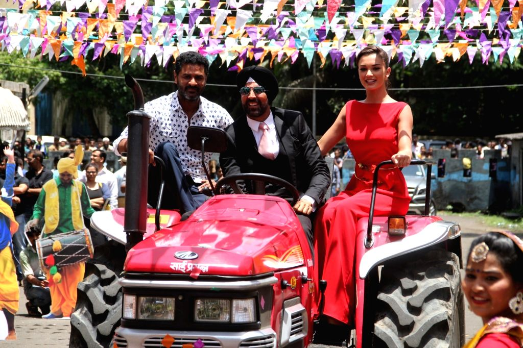 Actors Akshay Kumar, Amy Jackson and Filmmaker and choreographer Prabhu Deva during the trailer launch of film Singh Is Bling, in Mumbai, on August 18, 2015. - Akshay Kumar, Amy Jackson and Filmmaker