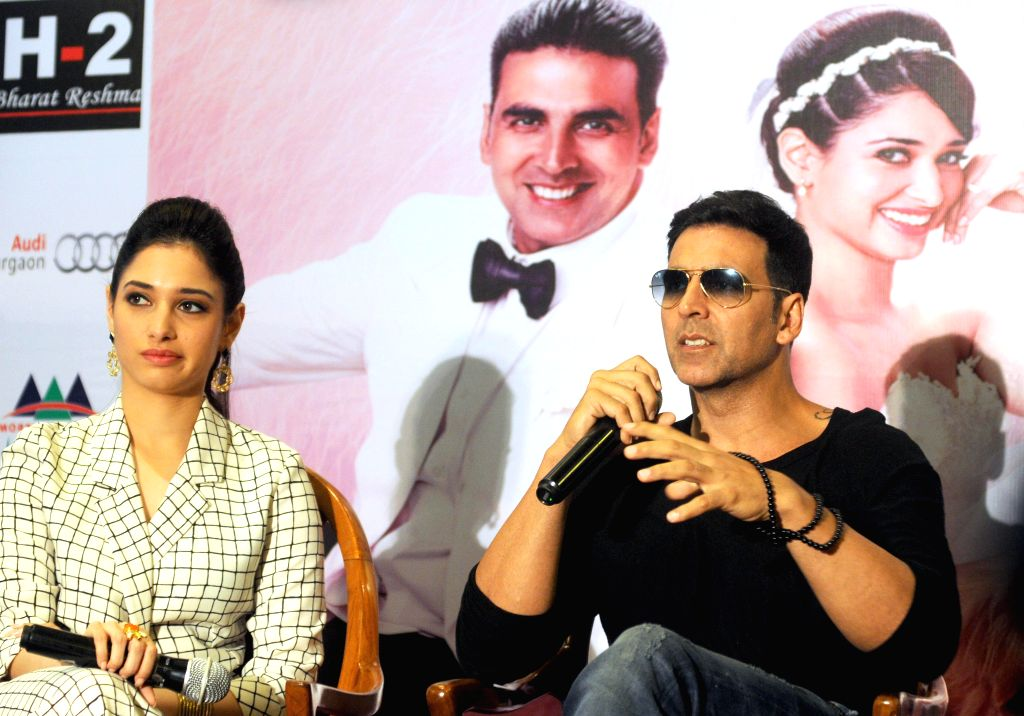 Actors Akshay Kumar and Tamannaah Bhatia during a press conference to promote their upcoming film `Entertainment` in New Delhi on Aug 7, 2014. - Akshay Kumar and Tamannaah Bhatia
