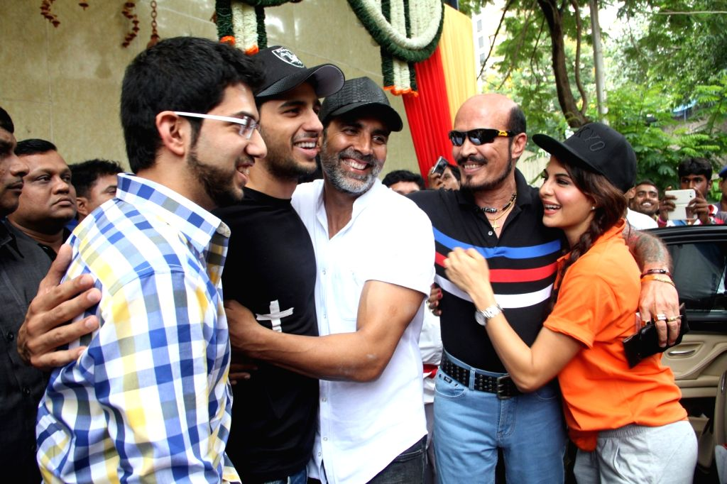 Actors Akshay Kumar, Sidharth Malhotra and Jacqueline Fernandes with Yuva Sena chief Aditya Thackeray during the graduation day of a self-defence academy in Mumbai, on Aug 17, 2015. - Akshay Kumar, Sidharth Malhotra and Jacqueline Fernandes