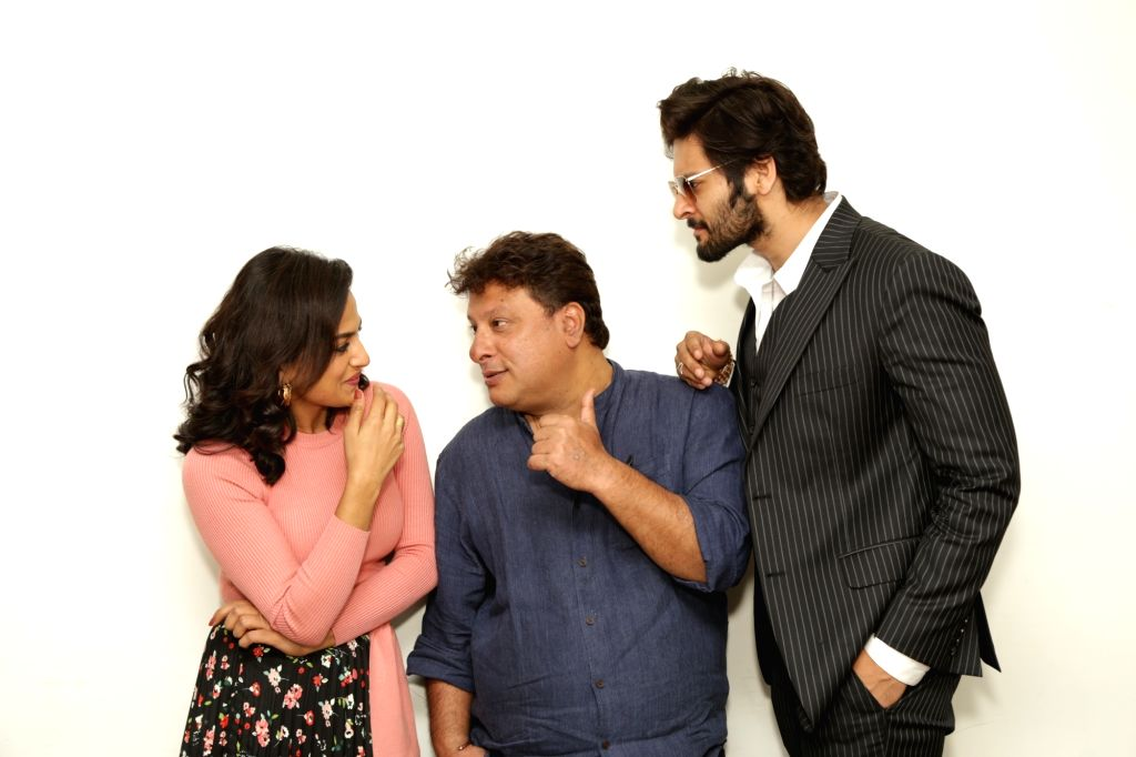 "Actors Ali Fazal and Shraddha Srinath with director Tigmanshu Dhulia during an interaction programme ahead of the release of their upcoming film ""Milan Talkies"" at IANS office, in ... - Tigmanshu Dhulia, Ali Fazal and Shraddha Srinath"