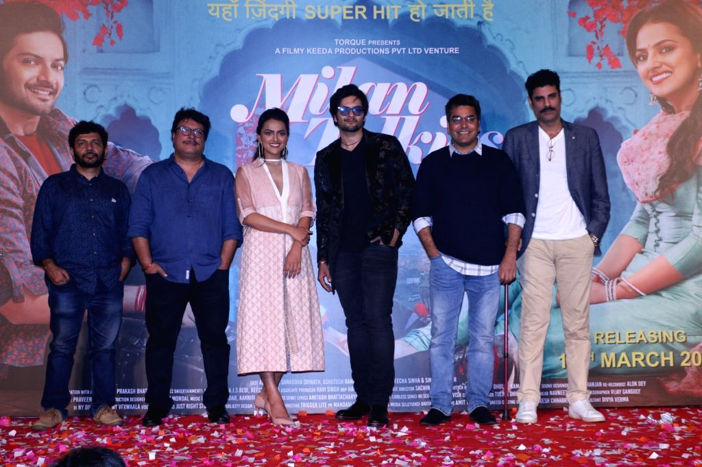 "Actors Ali Fazal, Sikandar Kher, Ashutosh Rana, Shraddha Srinath with director Tigmanshu Dhulia and screenwriter Kamal Pandey at the trailer launch of their upcoming film ""Milan ... - Tigmanshu Dhulia, Ali Fazal, Sikandar Kher, Ashutosh Rana, Shraddha Srinath and Kamal Pandey"
