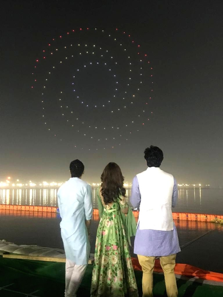 "Actors Alia Bhatt and Ranbir Kapoor with director Ayan Mukerji at the launch of their upcoming film logo ""Brahmastra"" at Sangam - the trinity of rivers Ganga, Yamuna and the ... - Ayan Mukerji, Alia Bhatt and Ranbir Kapoor"