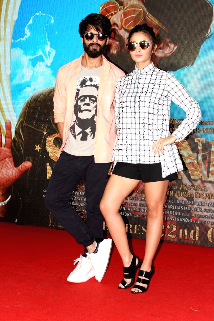 Actors Alia Bhatt and Shahid Kapoor during the launch of song Raitaa Phail Gaya from the film Shaandaar in Mumbai on Oct 13, 2015. - Alia Bhatt and Shahid Kapoor