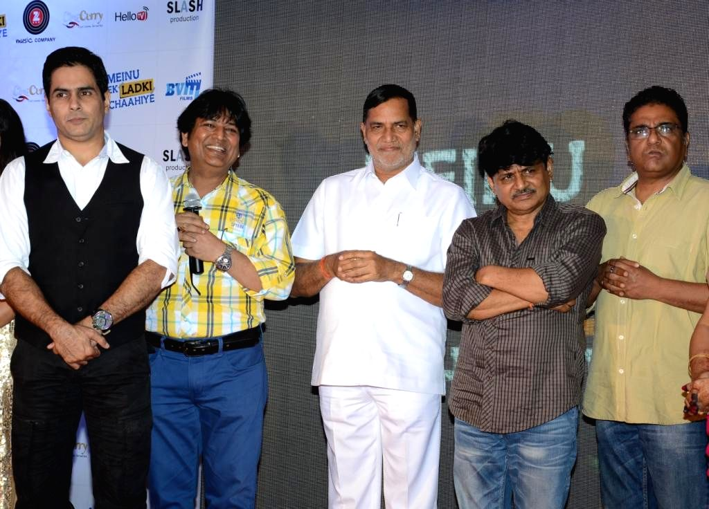 Actors Aman Verma, Abhishek Bindal, Kripa Sankar Sinkar, Raghuvir Yadav, Zakir Hussain during the music launch of film Mainu Ek Ladki Chahiye in Mumbai on Aug 11, 2014. - Aman Verma, Abhishek Bindal, Kripa Sankar Sinkar, Raghuvir Yadav and Zakir Hussain