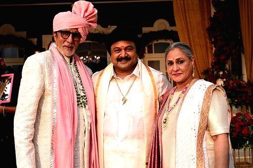 Actors Amitabh Bachchan, Prabhu Ganesan and Jaya Bachchan during Kalyan Jewellers ad shoot in Mumbai on Jan 24, 2020. - Amitabh Bachchan, Prabhu Ganesan and Jaya Bachchan