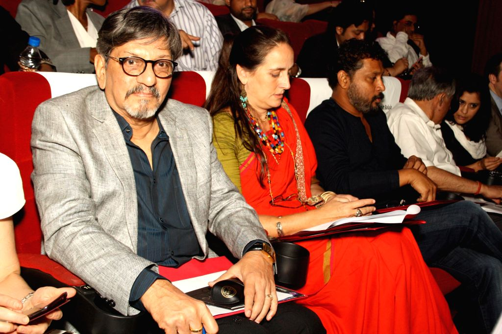 Actors Amol Palekar and Sanjana Kapoor at the Grand Finale of 'Cine art- Steer to Safety' an initiative of a private company to create road safety awareness among school children in New Delhi on . - Amol Palekar and Sanjana Kapoor