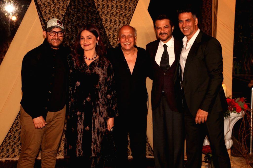 Actors Anil Kapoor, Akshay Kumar, Aamir Khan and filmmakers Pooja Bhatt and Mahesh Bhatt at the wedding reception of director Mukesh Bhatt and Nilima Bhatt's daughter Sakshi Bhatt in Mumbai, ... - Mukesh Bhatt, Anil Kapoor, Akshay Kumar and Aamir Khan