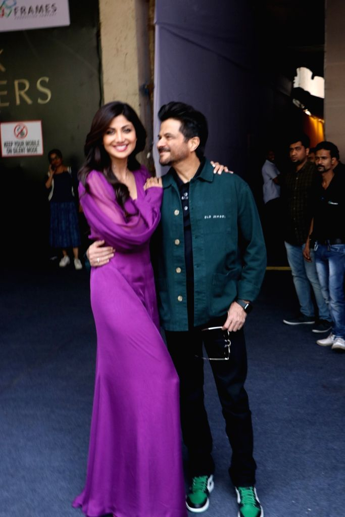 "Actors Anil Kapoor and Shilpa Shetty on the sets of filmmaker Farah Khan's chat show ""Backbenchers"", in Mumbai on Oct 15, 2019. - Anil Kapoor, Shilpa Shetty and Farah Khan"