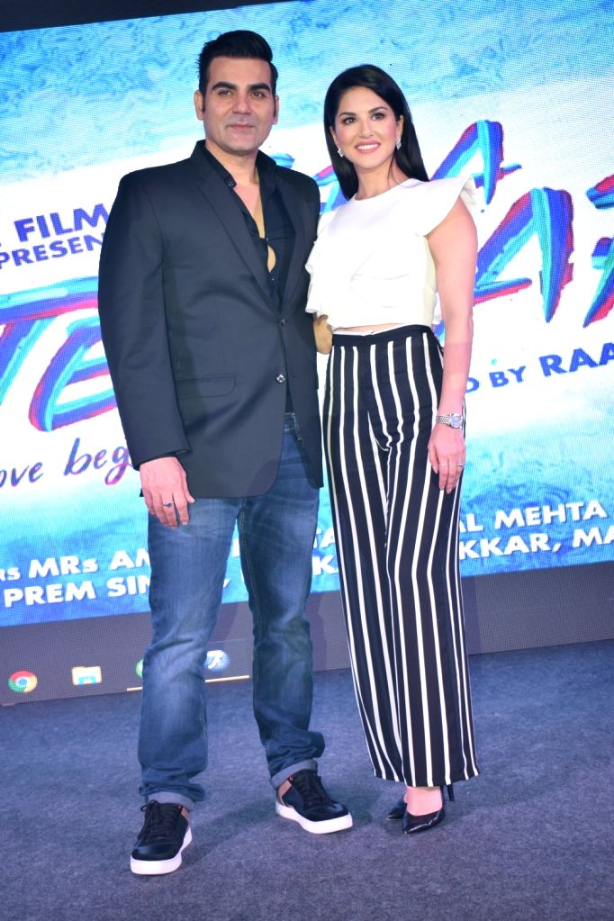 Actors Arbaaz Khan and Sunny Leone during the poster launch of their upcoming film 'Tera Intezaar' in New Delhi on Sept 12, 2017. - Arbaaz Khan and Sunny Leone
