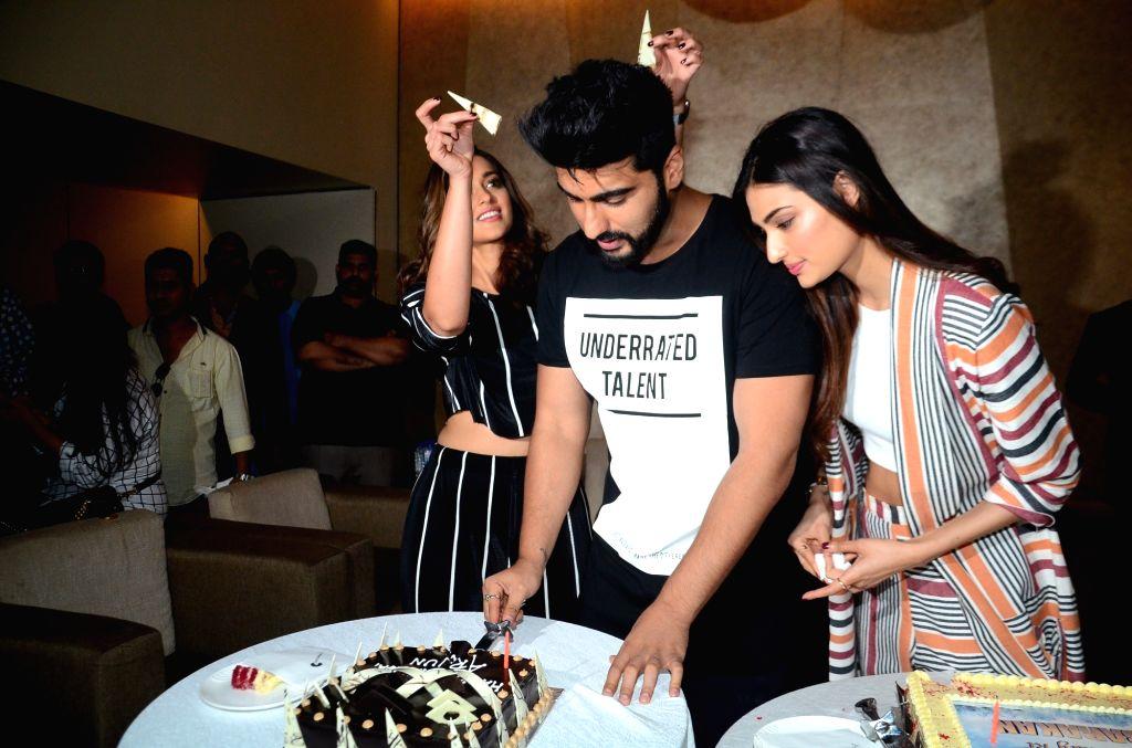 Actors Arjun Kapoor, Ileana D'Cruz and Athiya Shetty during Kapoor's birthday celebration in Mumbai, on June 25, 2017. Arjun Kapoor's birthday is on 26th June. - Arjun Kapoor, Ileana D'Cruz and Athiya Shetty