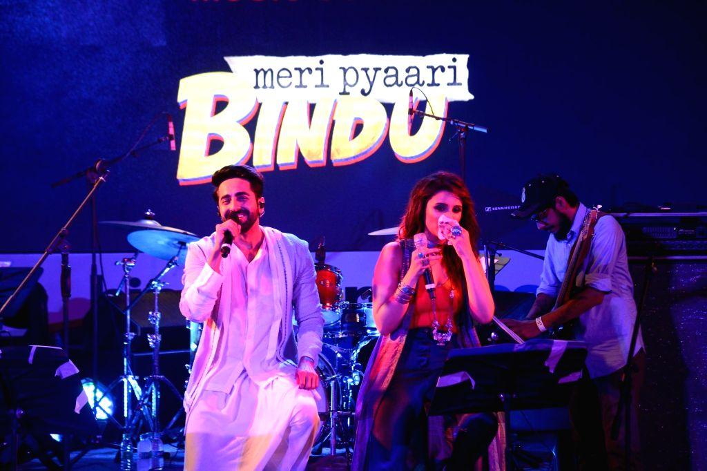 Actors Ayushmann Khurrana and Parineeti Chopra during film Meri Pyaari Bindu concert in Mumbai on May 6, 2017. - Ayushmann Khurrana and Parineeti Chopra